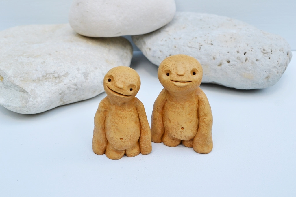 Poppadors_cute_alien_sculpture_art_edit