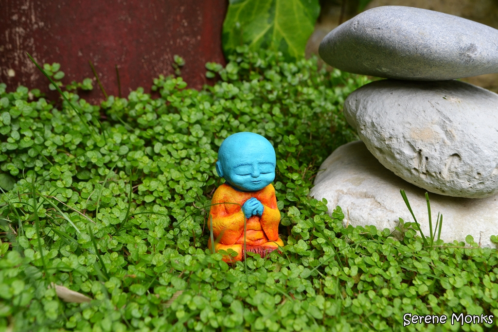 Wakei_-_monk_sculpture_meditating_meditation_art_cut_outdoors_spiritual_pink_buddha_nature_buddhism_blue_orange_krishna-c75