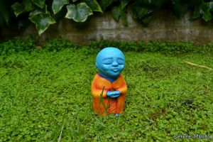 c96-Shinko - blue - orange sculpture cute meditation meditating monk monks colourful colorful statue buddha buddhist krishna.JPG